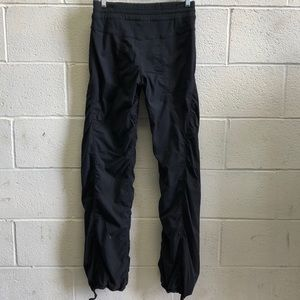 lululemon athletica Pants - Lululemon black lined studio pant, sz 6, 62440
